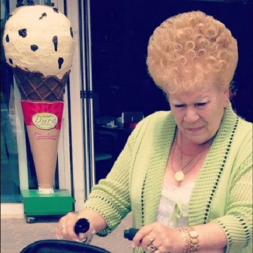 Weird hairdos and ice cream cones – what else could one ask for?
